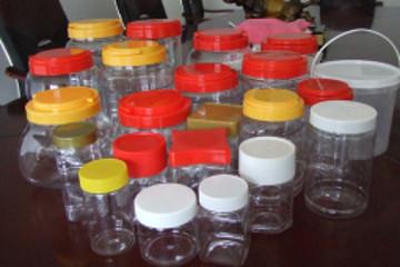 废弃塑料也能当燃料 印尼大学生设计燃料电池汽车