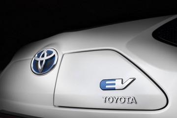 六年前拍到的这辆车,直接改变了丰田的新能源技术路线?