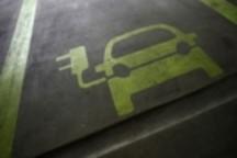 为促低碳移动出行 德国增加电动车公共充电站