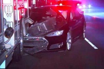 特斯拉追尾消防车 肇事司机酒驾被捕却甩锅Autopilot