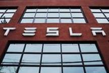 外媒:特斯拉电动卡车最迟2020年投产