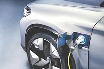 2018中国汽车产业蓝皮书 聚焦新能源发展思路