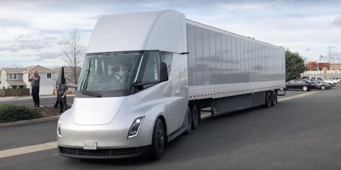 特斯拉新型轮胎自动充气系统可延长轮胎寿命 或用于Semi电动卡车