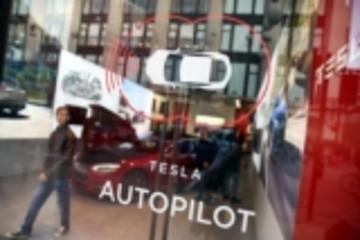 Autopilot安全功能受质疑 特斯拉遭车主指控