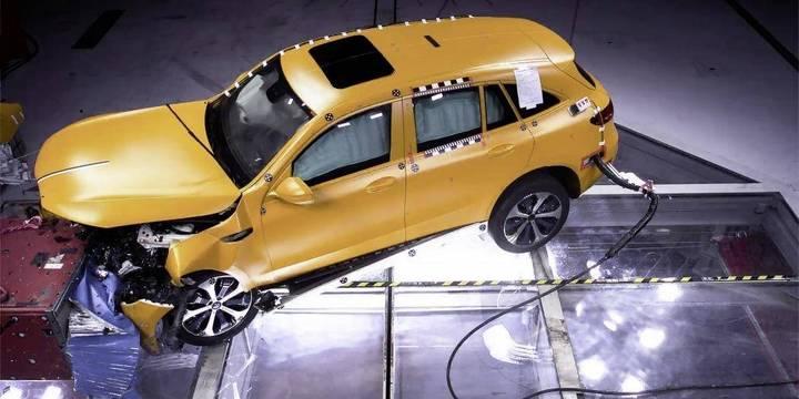 """奔驰公布EQC内部碰撞测试结果:""""高水平的碰撞安全性"""""""