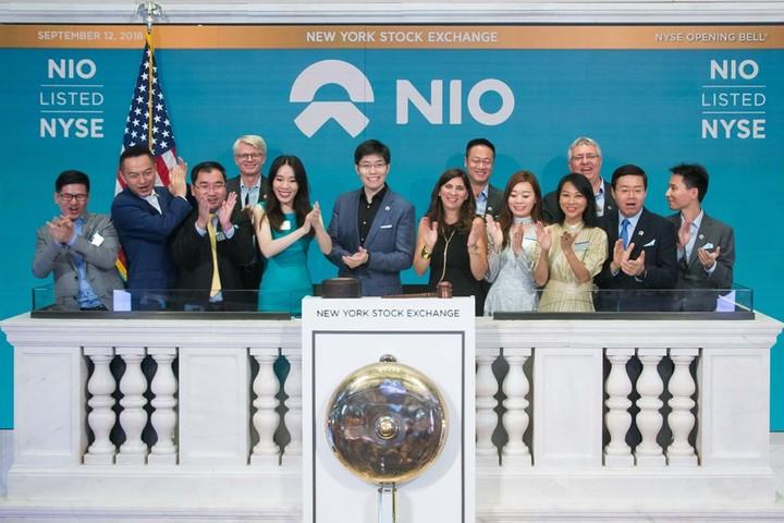 """首日收涨5.6%,蔚来""""会所""""模式初获美市场认可"""