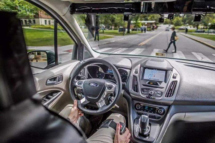 完全自动驾驶汽车的实现要靠这四种技术?