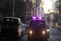 福特测试三色灯条视觉语言 帮助自动驾驶汽车与行人交流