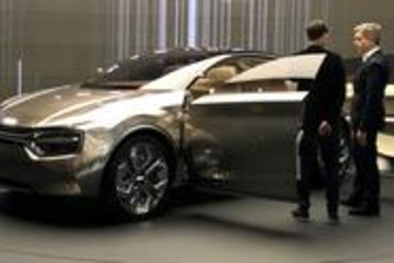 电动车怎么能不配大屏,盘点配备超大屏的新能源车型