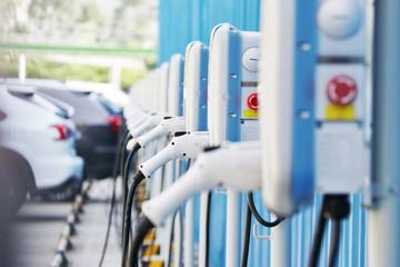 刘永东:我国大功率电动汽车充电标准制定工作即将启动