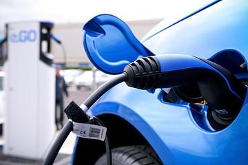 中国将成20年内电动车主战场 2023预计销量350万