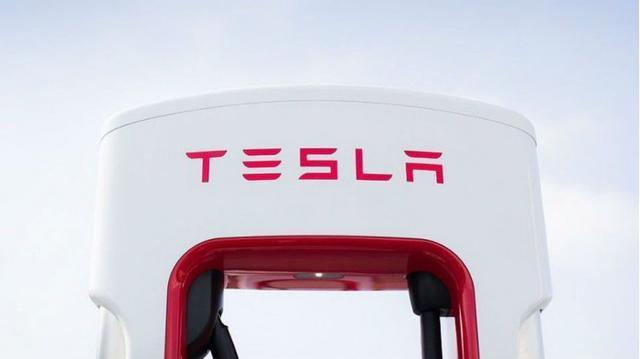 特斯拉在某种程度上信守了对全自动驾驶客户许下的承诺