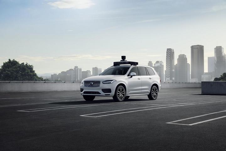 Uber发布新一代自动驾驶车,基于沃尔沃XC90打造