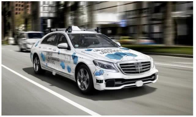 戴姆勒在美試點測試奔馳自動駕駛出租車