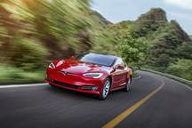权威期刊:特斯拉最新自动驾驶更新存在严重安全隐患