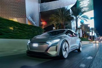 "AI:ME概念车 利用VR""逃离""眼前的城市交通"