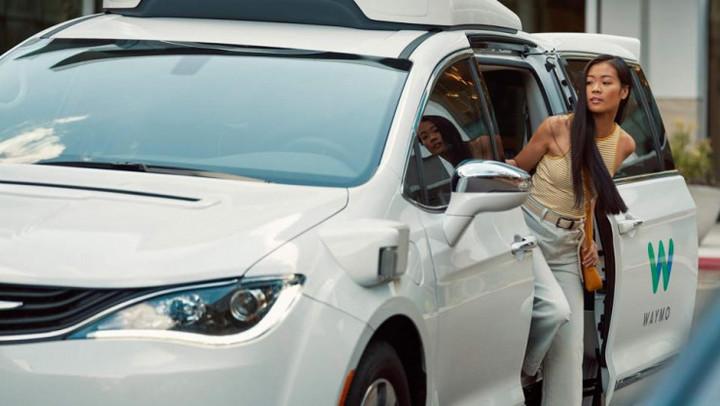 Waymo One 全自动驾驶已到:未来将一人多车、扩张三步走,迈向盈利第一步