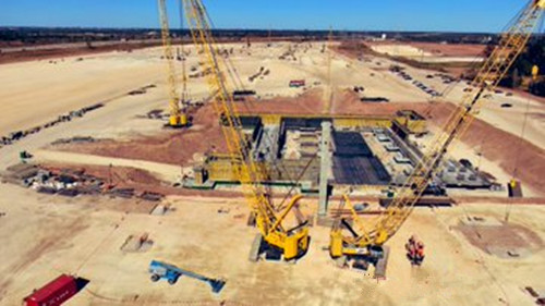 特斯拉得克萨斯州超级工厂正式开始厂房建设 首根立柱已竖起