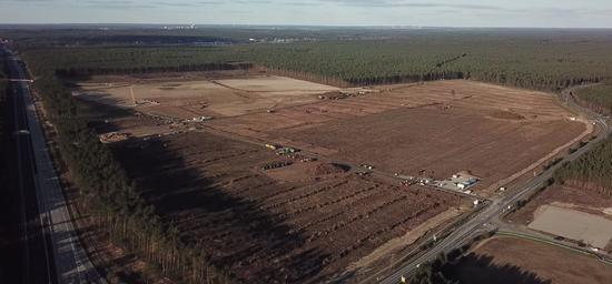特斯拉疫情期间继续建设柏林工厂 一期工程初见规模