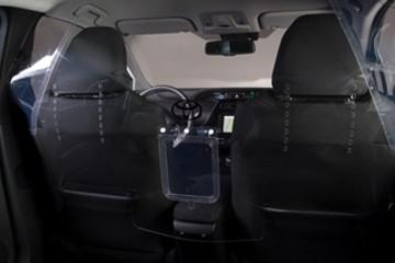 丰田推出座舱防护屏 降低驾驶员病毒感染风险