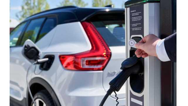 车圈|英国电动汽车协会: 超八成受访者希望在2035年前禁售燃油车