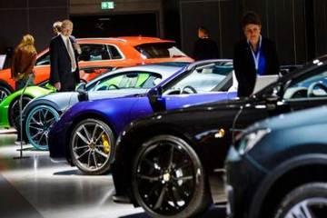 """德国汽车业的""""难关"""":宝马、奔驰、大众上半年业绩均亏损"""