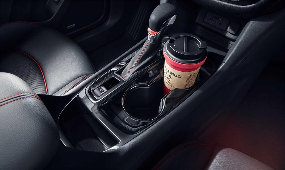 运动排挡杆配RS专属耀红徽标.jpg
