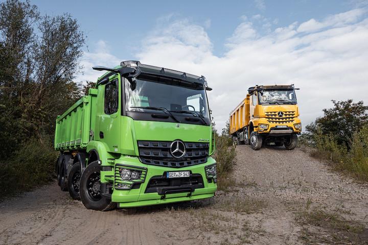 14. 梅赛德斯-奔驰Arocs是非公路作业的理想卡车伙伴.jpeg