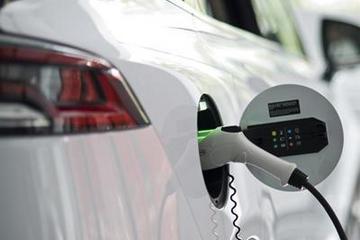 2020年新能源汽车行业融资总额突破千亿