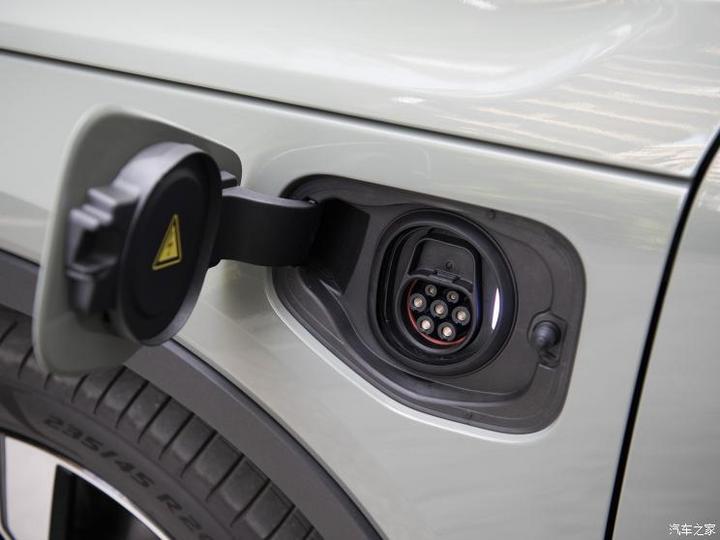 沃尔沃亚太 沃尔沃XC40新能源 2021款 纯电 四驱智雅运动版