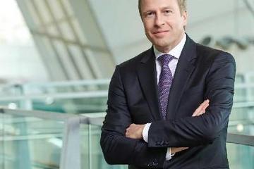 宝马CEO质疑特斯拉能否维持高速增长