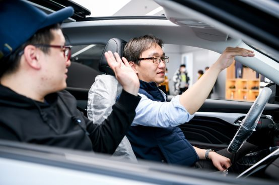 R汽车,新势力交付
