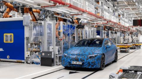 戴姆勒总部工厂转型电驱动并搬迁内燃机生产