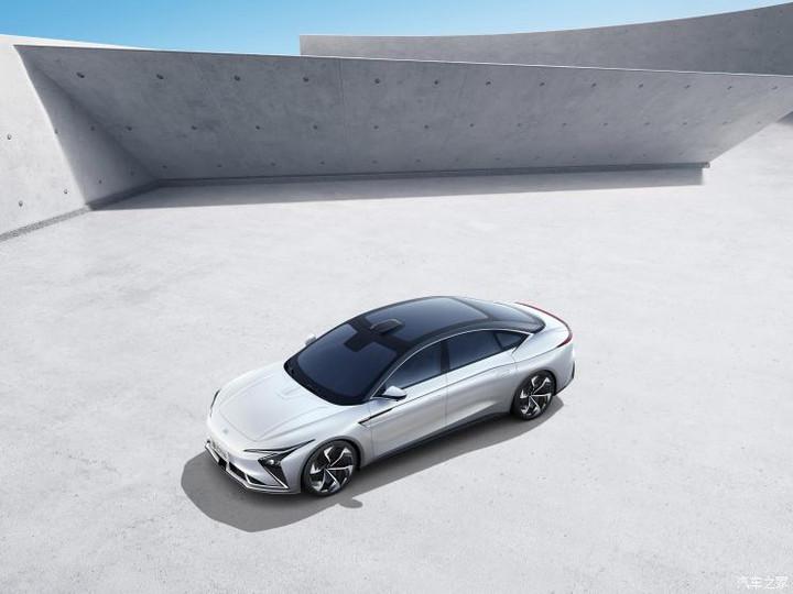 智己汽车 智能纯电轿车 2021款 基本型