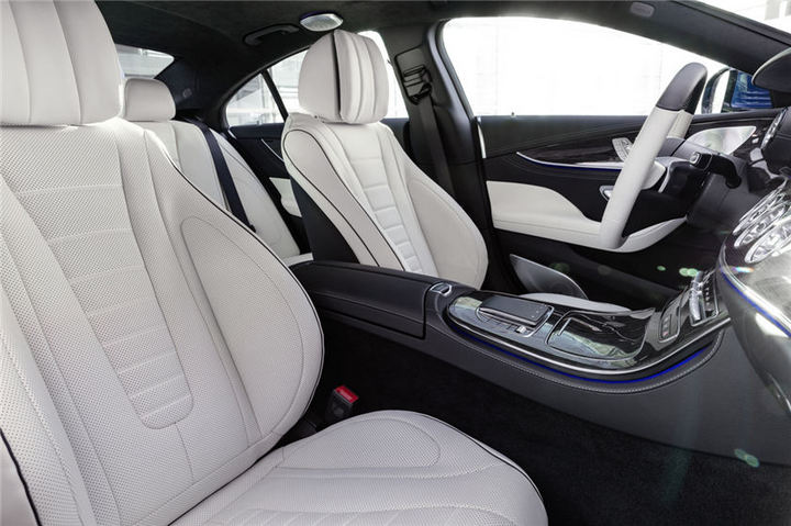 新一代梅赛德斯-奔驰CLS四门轿跑车全球首发