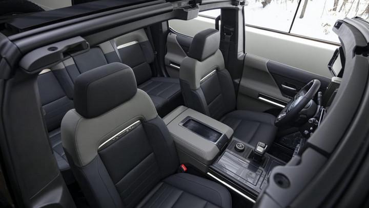 2024-GMC-Hummer-EV-SUV-interior-03.jpg