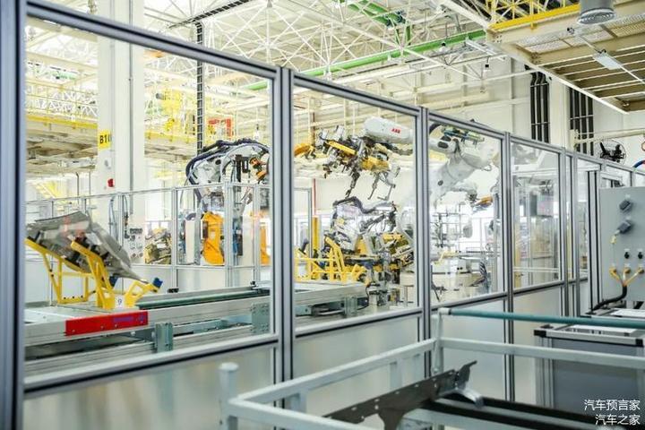 寰球汽车科技之旅走进极氪 探寻极氪电动化变革之道