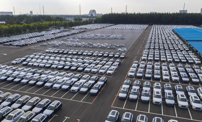 中汽协:4月汽车产销同比增长6.3%和8.6%