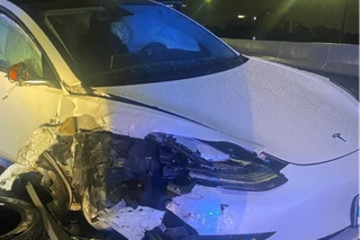 特斯拉Model 3再撞警车 司机称Autopilot开启