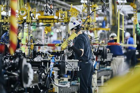"""最新预测:全球汽车减产770万辆!不只""""缺芯"""""""