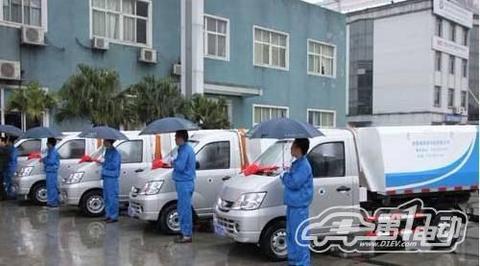 南昌首批纯电动环卫车启用 单次充电行驶80-120公里
