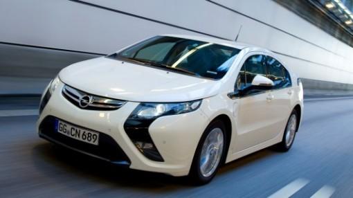 2013-Opel-Ampera