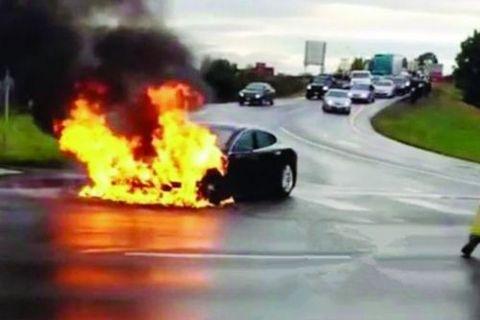 特斯拉电动汽车着火