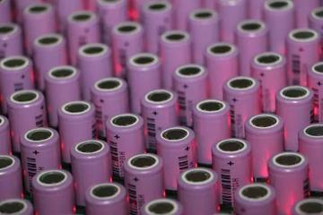 三元锂电池还是磷酸铁锂电池 动力电池到底应该用哪种?