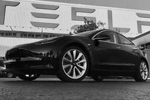 """全球首辆量产Model 3下线 传统汽车将遭受""""强震"""""""