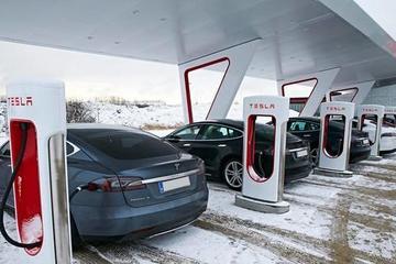 特斯拉在美兴建更大型的超级充电站 效率将翻倍